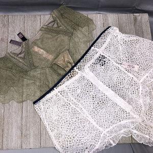 Victoria Secret Very Sexy Cheeky Bundle 2 Thongs M